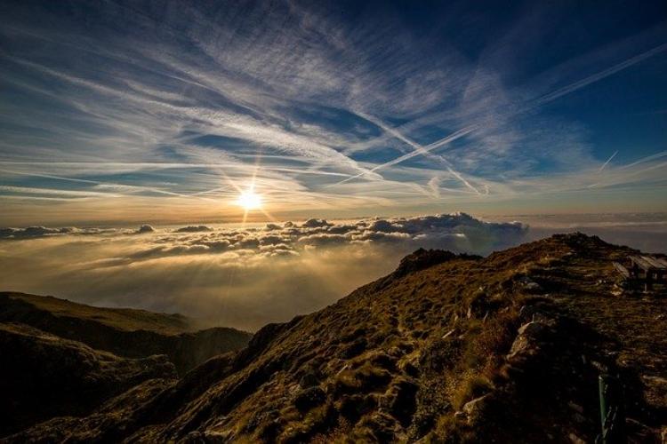「日本三大急登」って知ってる?日本屈指の急傾斜の登山道をご紹介!