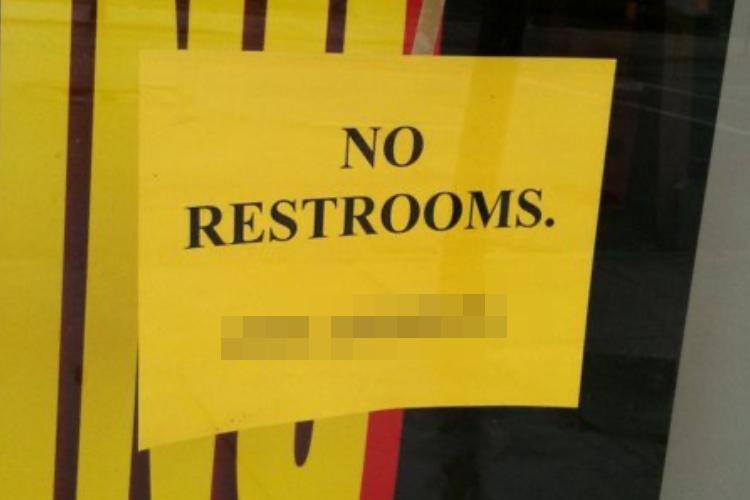 「トイレは〇〇で借りれば?」閉店が決まった書店の皮肉が効いた張り紙が話題