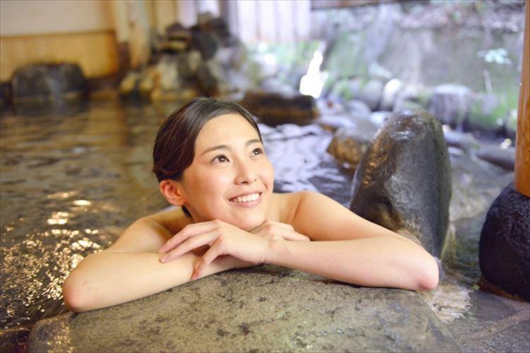 入ると美肌になれる!?温泉の研究所と研究者にも認められた「日本三大美肌の湯」