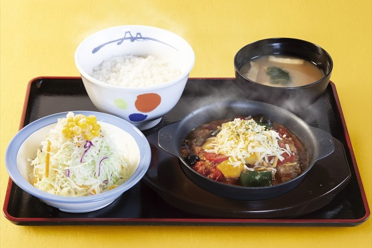 松屋が大反響の「シュクメルリ」に続き、今度はイタリア料理『カチャトーラ定食』を新発売!