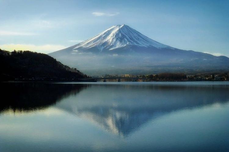 【日本三大霊山】日本で古くから信仰の対象となった荘厳な姿をした山々をご紹介