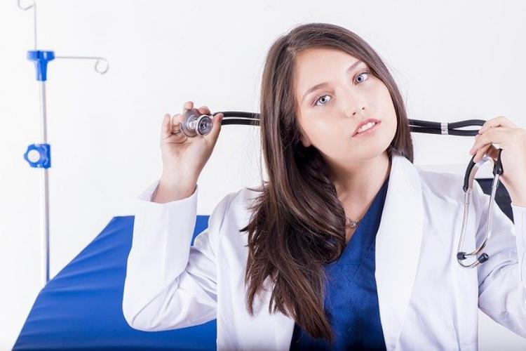 病院と診療所は何が同じでどこが違うの?役割と設備機能の違いを解説