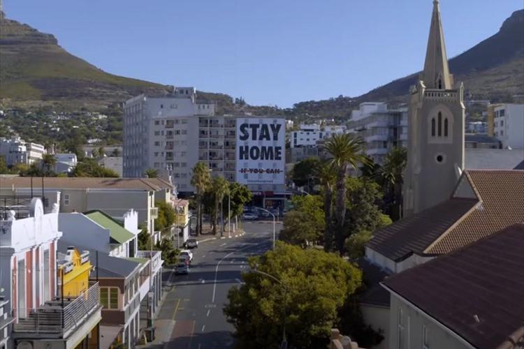 ロックダウン中だからこそ再認識できる街並みと自然。南アフリカのドローン空撮映像が美しい