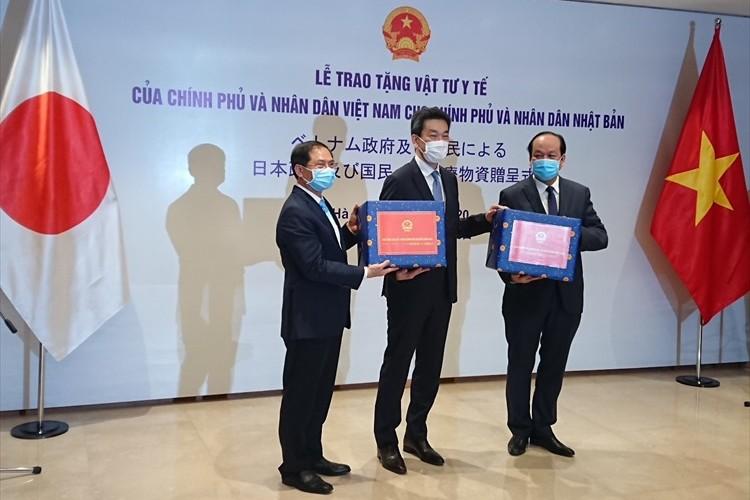 ベトナムが医療用マスク5万枚と医療物資を。台湾がマスク200万枚をそれぞれ日本に寄贈