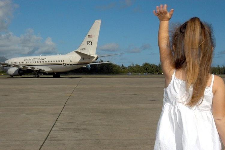 「さようなら」と「good-bye」は同じ別れの挨拶なのに・・・語源や単語の意味が全く違う!?