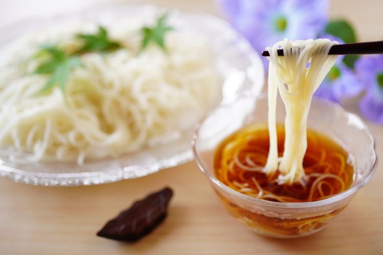 「そうめん」と「ひやむぎ」はどちらも細く白い麺だけど違いはなに?実は明確な定義があった!