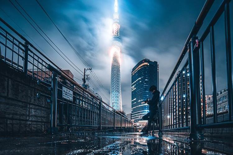 SFの世界に迷い込んだ雰囲気・・・梅雨時の東京スカイツリーが最高にカッコイイ!