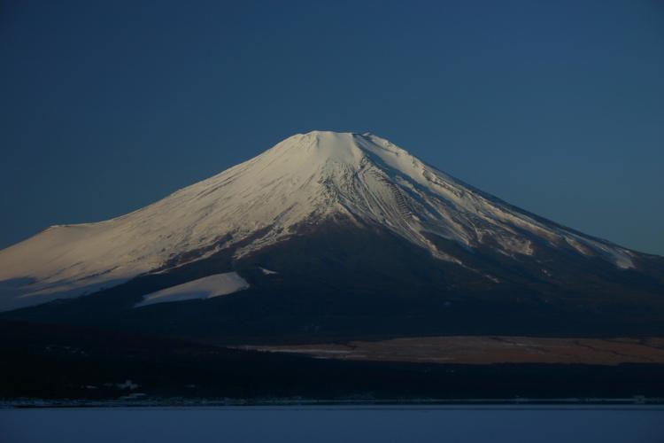 富士山の頂上は静岡県か山梨県か?その正解、まさかのどちらでもない