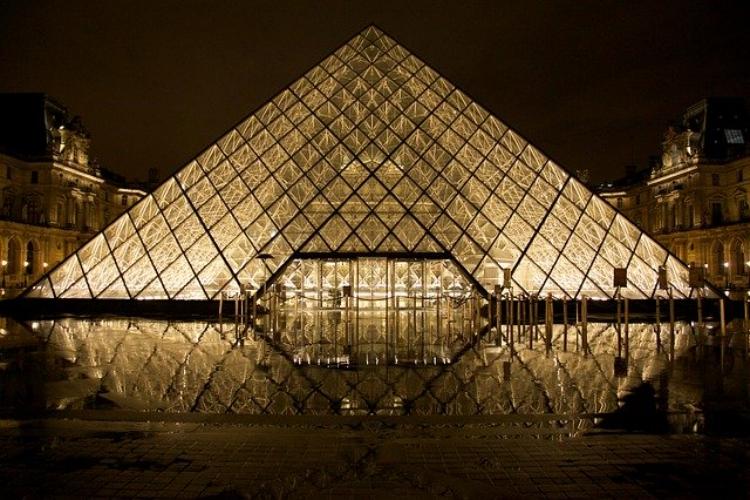 慣用句「金字塔を打ち立てる」に出てくる「金字塔」ってなに?意味や由来を解説!
