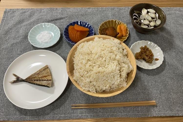 江戸時代の食事の一例を再現したらこうなった!玄米のボリュームが凄まじい