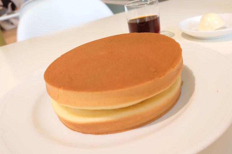 ホットケーキの概念が変わる!?ふかふかぷるぷるな六花亭のホットケーキが美味しそう