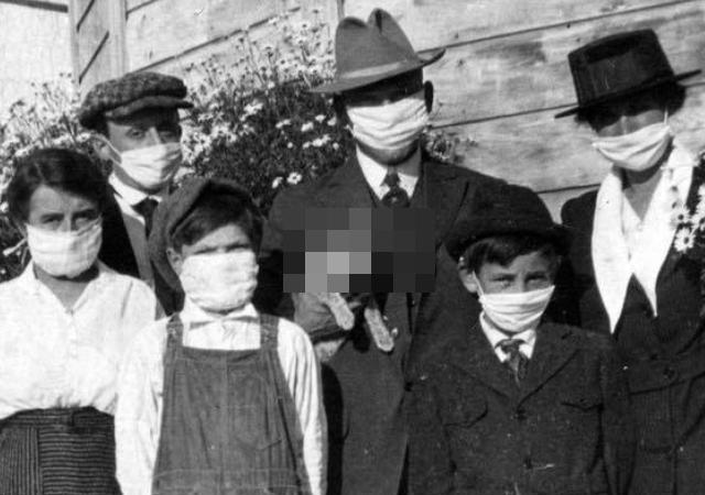 スペイン風邪が流行した100年前もマスクが必須だったと分かる写真に不可解な点が!?