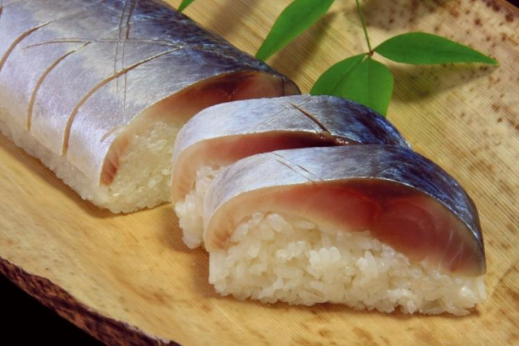 鯖寿司を指す「バッテラ」、元はサバを使っていなかったし、語源はポルトガル語にあった?!
