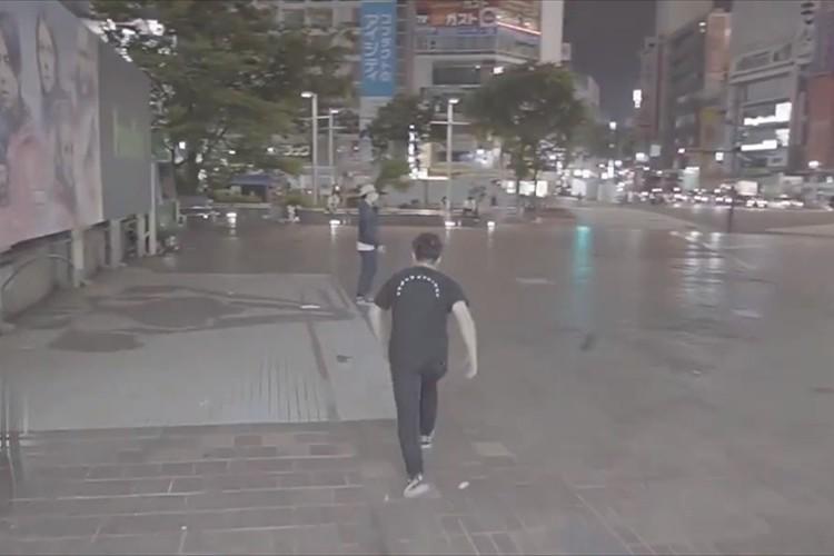 本物のゲーム画面かと思った!あの人気ゲームの「あるある」なシーンを現実の渋谷で再現!
