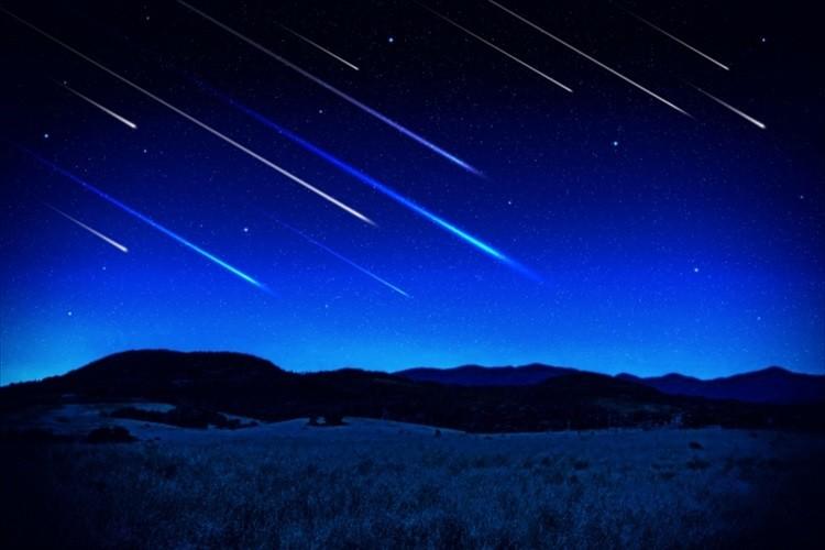 これは見逃せない!三大流星群のひとつ「ペルセウス座流星群」が本日(8月12日)22時頃に極大に!