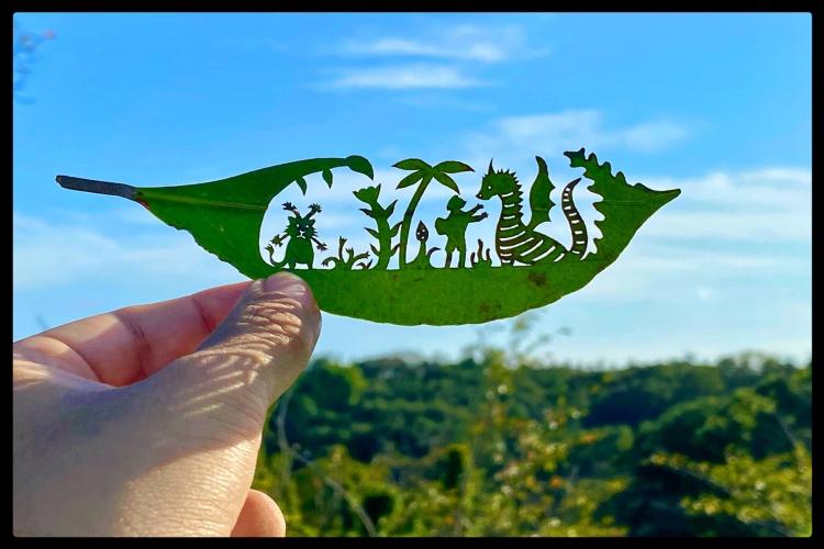 クオリティが凄い!葉っぱ切り絵が素敵!限られた時間の儚い芸術作品
