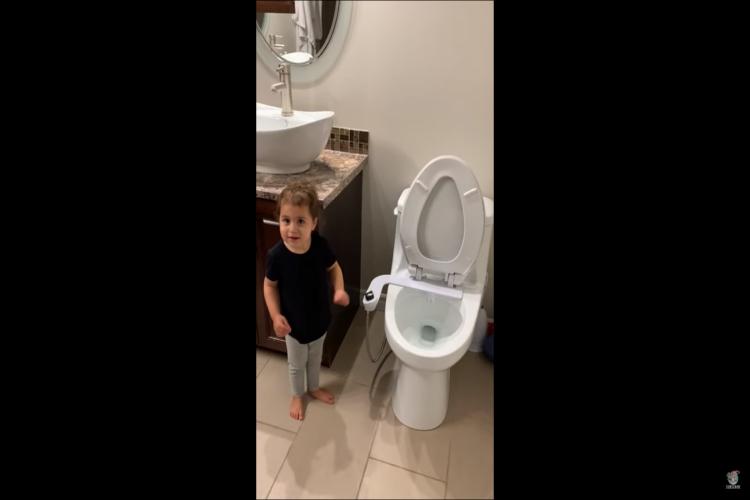 瞬き厳禁!可愛い娘に誘われてトイレに行ったら凄い攻撃を受けました。