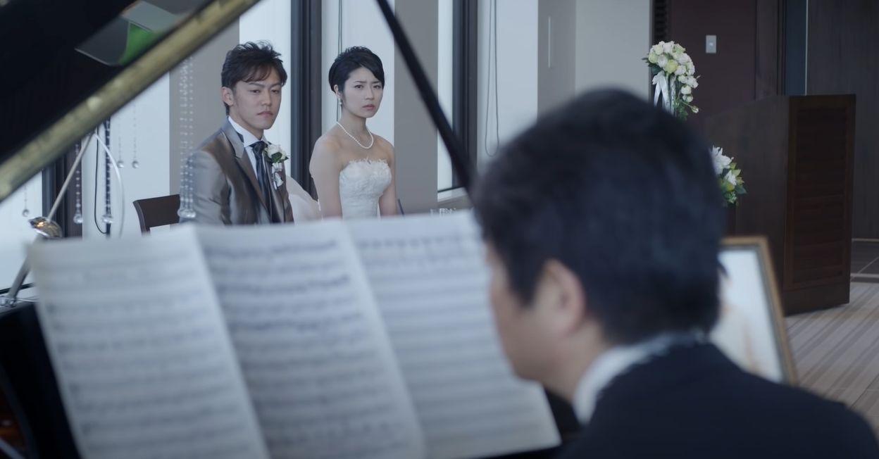 【泣ける動画】不器用な父が練習したピアノを娘の結婚式でサプライズ披露!亡き母との想い出が蘇る・・・