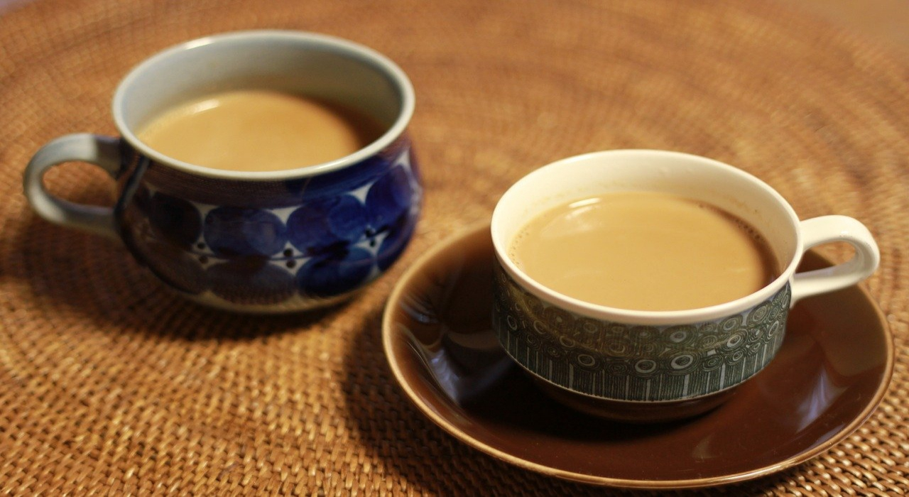 ロイヤルミルクティーとはどういう紅茶を指すの?ミルクティーとは何が違う?