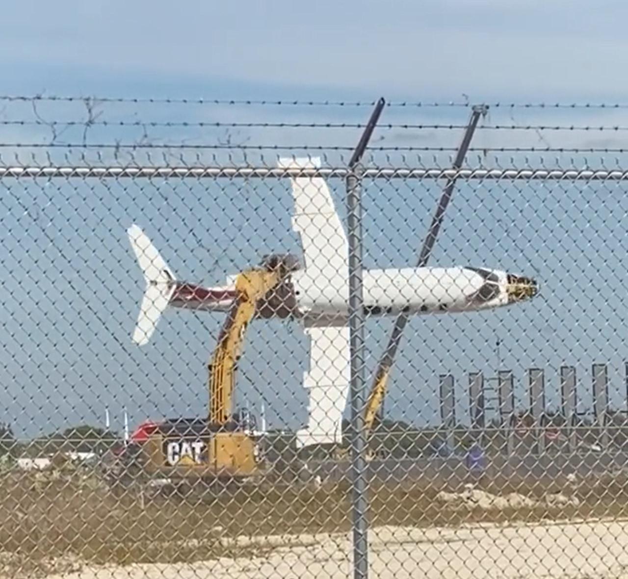 どういう状況!?スケールの凄い飛行機遊びが衝撃的!