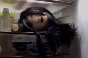 冷蔵庫の中に生首!?絵の具で顔が描かれた「生首メロン」の出来が凄くて怖すぎる!