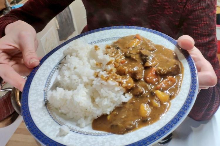 日本大好きラトビア人アルトゥル氏、日本のカレーが食べたくてルーから自作してしまう!