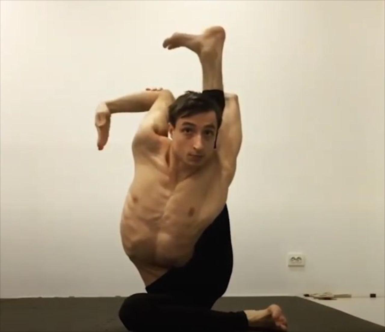 【驚愕動画】一体どうなってるんだ!?曲芸師のパフォーマンスアートがぶっ飛んでいる!