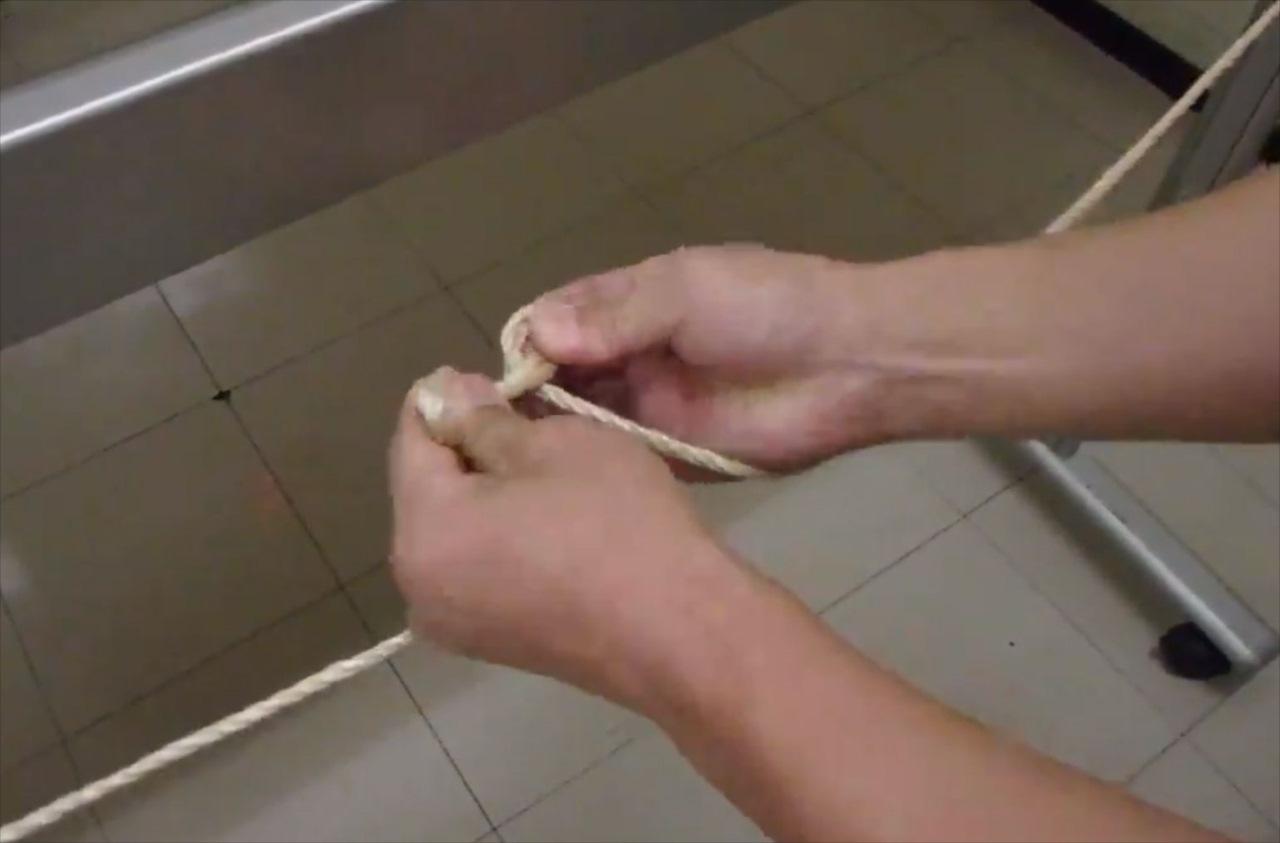 【警視庁災害対策課が推奨】災害時に役立つ!ビニールひもやロープをピンと張る方法を紹介