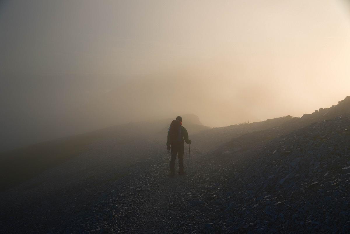 先行きが見通せないことを意味する「五里霧中」、この五里とはどのくらいの距離?その由来は?