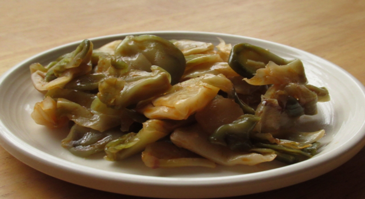 中華料理で使われる漬物「ザーサイ」は、なにを原料に作られているの?